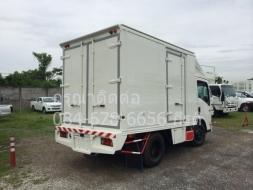 ISUZU กับรถบรรทุก ตู้แห้งอลูมิเนียมประตู 4 บาน ใช้ง่าย กำลังดี